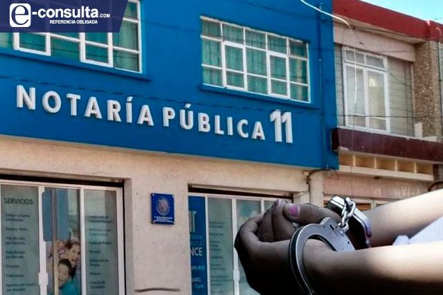 Detienen a ex notaria de Tehuacán y cierran la 35 por anomalías