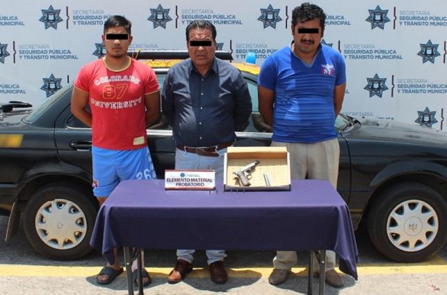 Detienen a tres en Puebla por llevar armas sin permiso