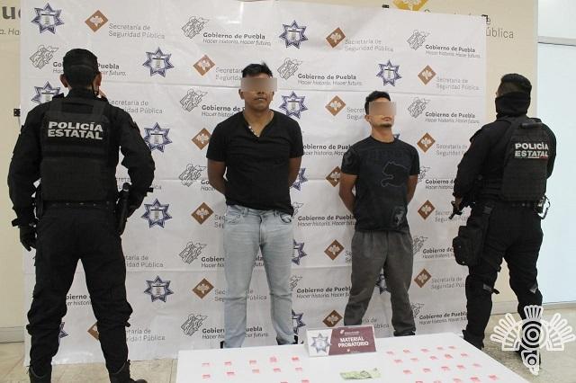 Detienen en Amalucan a dos narcomenudistas de La Patrona