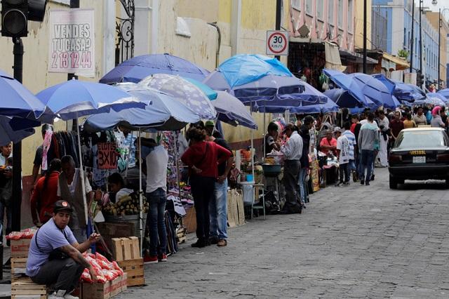 El corredor de ambulantes podría replicarse, dice regidor de Puebla