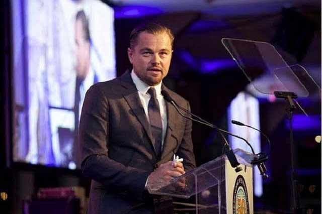 Leonardo DiCaprio desayuna en restaurante que ayuda a indigentes