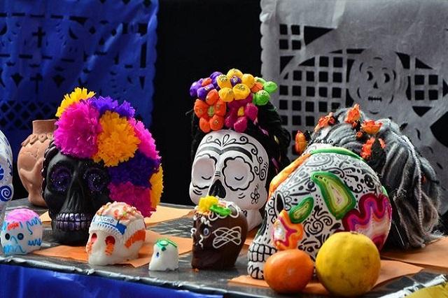 Mayoría de mexicanos coloca ofrenda de muertos pero ya no va al panteón