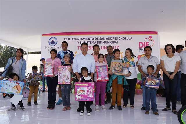 Conmemoran el Día del Niño en San Andrés Cholula