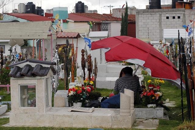 Realizan operativo en panteones de Puebla por el Día del Padre
