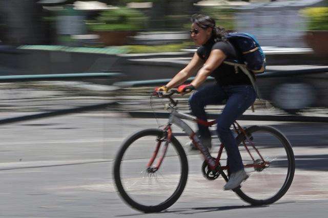 Usar la bicicleta es una postura política: Claudia Orea