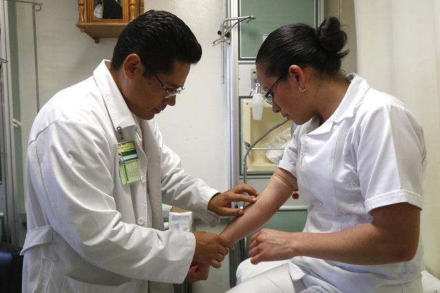 Decidirán en diciembre cuál vacuna se aplicará en México