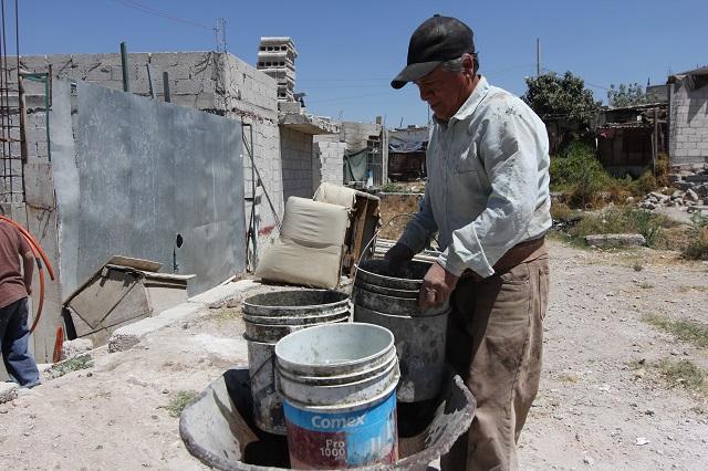 Persiste acarreo de agua en municipios de Puebla