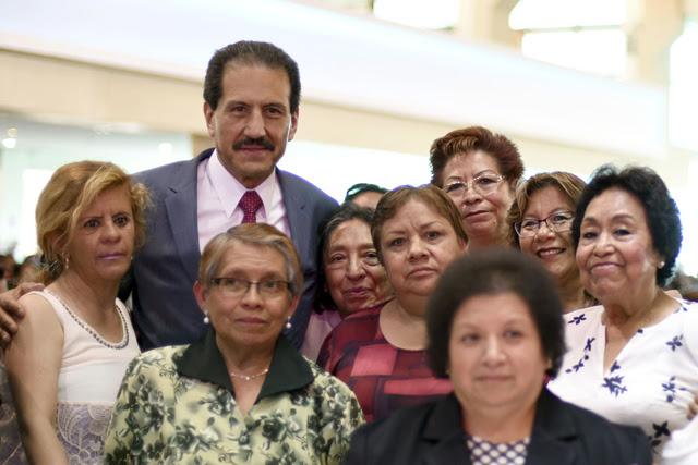 La mayor riqueza de la universidad es  su capital humano: Esparza Ortiz