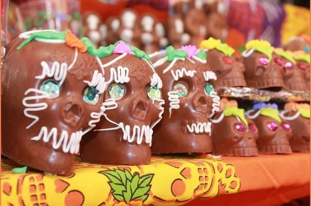 Caen ventas hasta al 60% en pabellón de Día de Muertos en Tehuacán