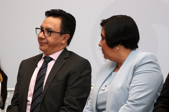 Senadores cuestionan a López Badillo por su papel en la CDH