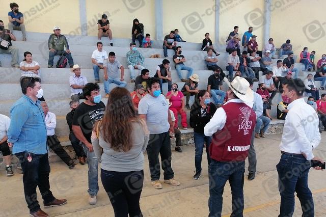 Exigen destitución de policías y director de obras en Zacapoaxtla