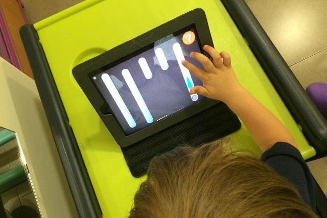 Tecnologías deben ayudar al desarrollo del niño y no ser nanas