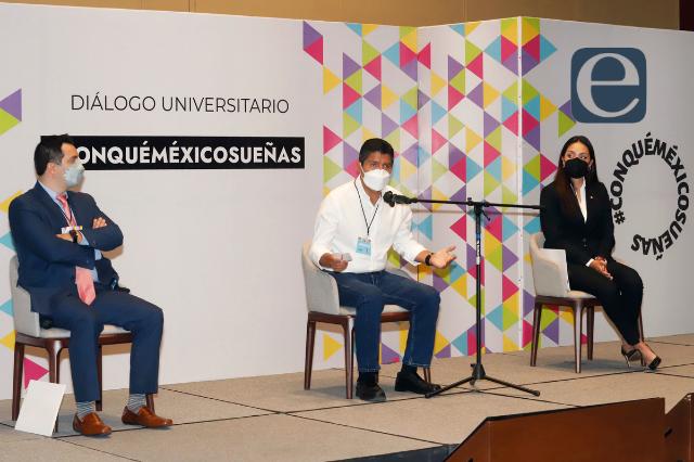 Universitarios piden seguridad a 3 aspirantes a alcaldes de Puebla