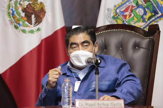 Dice Barbosa que se acabará con mafias en calles de Puebla capital