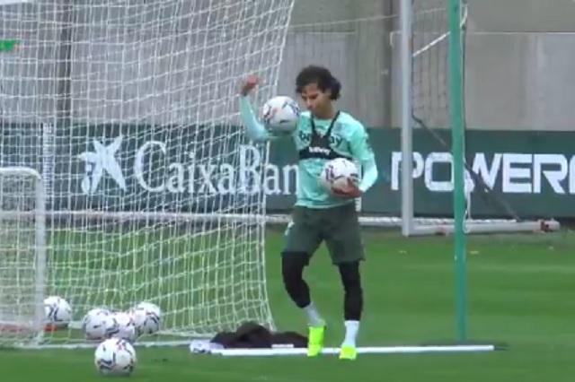 Tras superar el COVID, Diego Lainez ya entrena al parejo con Real Betis
