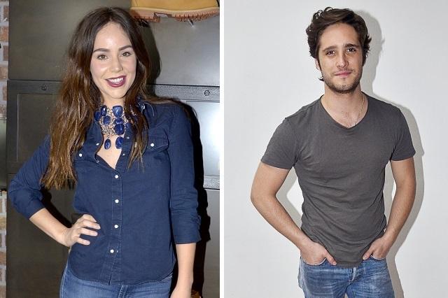 Graban a Diego Boneta con mano en zona íntima de Camila Sodi (VIDEO)