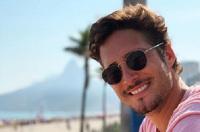 Él es Santiago, el hermano menor de Diego Boneta que está causando furor