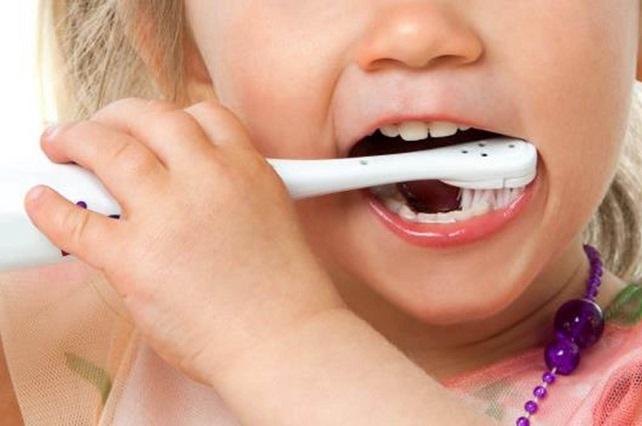 Perder los dientes de leche de forma prematura podría tener consecuencias