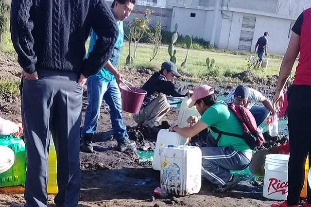 Fuga de diésel en Texmelucan provoca rapiña de habitantes