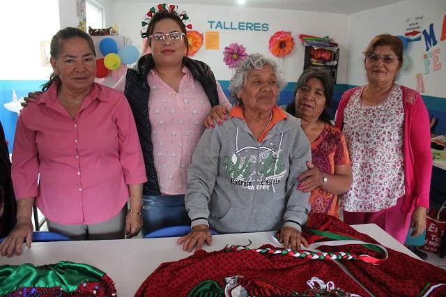 Entregan 2 mil despensas a madres solteras en Amozoc