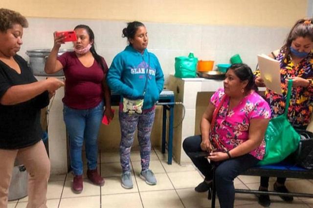 Padres de familia corren a ex titular del DIF de primaria en Coyotepec