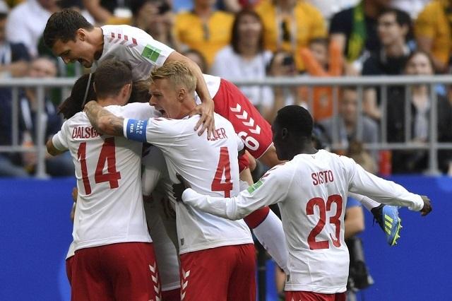 Dinamarca sólo empata con Australia y complica su calificación