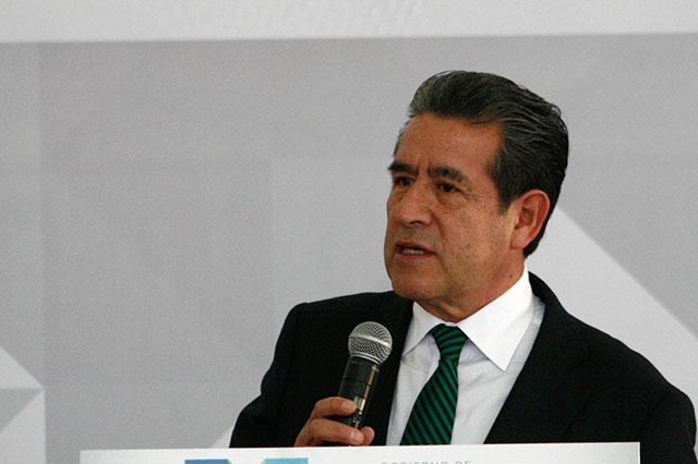 Diódoro Carrasco ofrece a diputados diálogo permanente