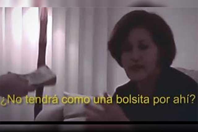 """Resultado de imagen para EL UNIVERSAL PUBLICA video donde a Morena recibiendo 500 mil pesos """"para AMLO"""", en Las Choapas, Veracruz."""