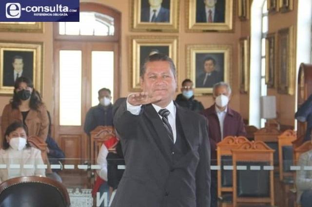 Toma protesta el nuevo director de Gobernación en Tehuacán