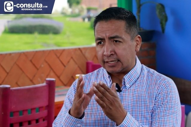 Edmundo Tlatehui sigue en la mira de la FGE pese al amparo