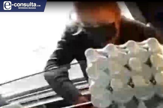 Captan a mujer cuando roba dos celulares en Atlixco