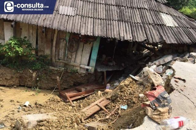 Resultan 6 viviendas afectadas por falla geológica en Hueytamalco