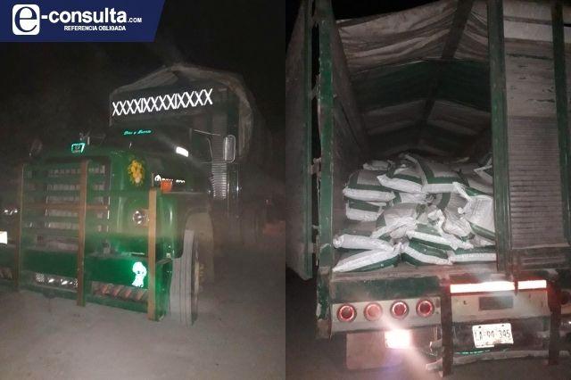 Retienen a dos camiones en Chiconcuautla en represalia al edil