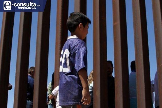 Polleros abandonan a niño poblano de 8 años en Tucson, Arizona