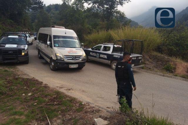 Cae de una camioneta y muere en Santa María Coyomeapan