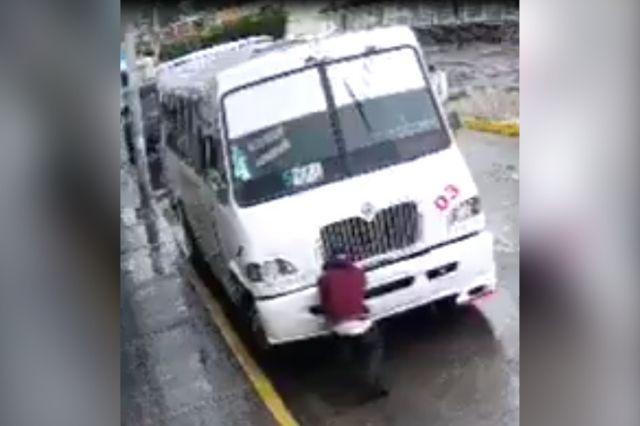 Captan a ladrón en pleno robo a camión en Izúcar