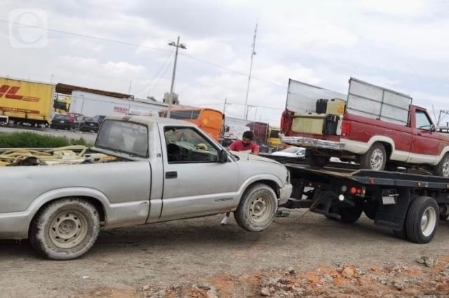 Detienen a distribuidores de huachicol en Cuautlancingo