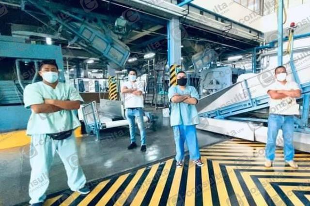 En planta de lavado del IMSS en Atlixco exigen segunda dosis contra Covid