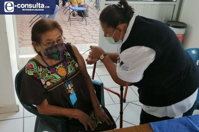 Sin contratiempos inicia vacunación contra Covid-19 en la Mixteca