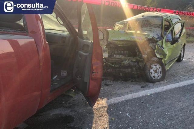 Por invadir carril en sentido contrario matan a mujer en Puebla