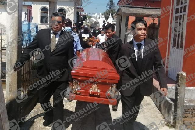 Despiden a Adriana Rodríguez, víctima de feminicidio en Xicotepec