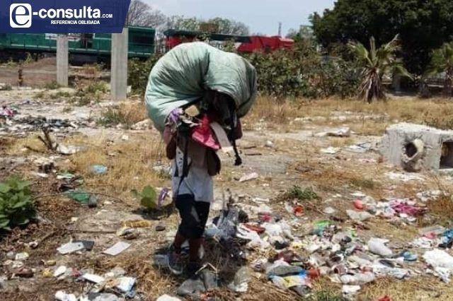 Desalojan a pepenadores de casa abandonada en Tehuacán