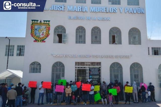 Rechazan gasolineras en Teotipilco y toman el edificio Morelos en Tehuacán