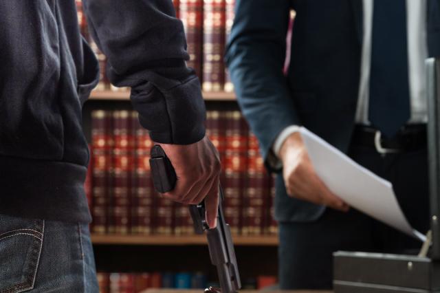 Banda asalta a unos 20 notarios de Puebla, revela presidente