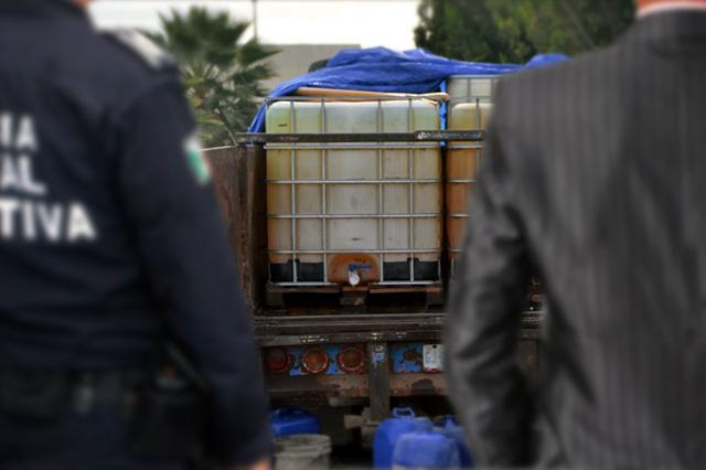 Hasta MP es capturado con gasolina robada en Puebla
