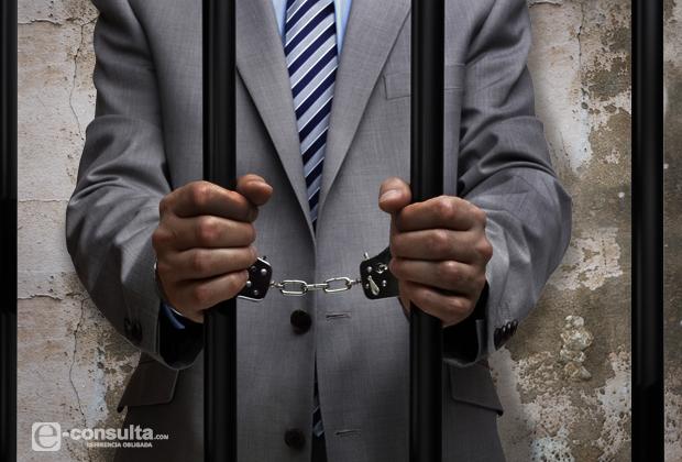 Caen 24 burócratas corruptos en 2015 y suman 82 en 5 años