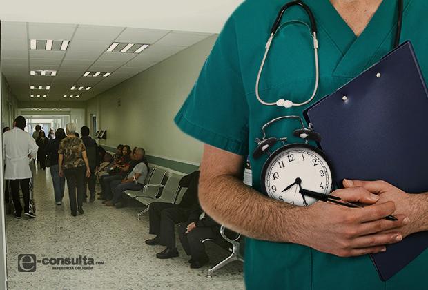 Esperan pacientes casi hora y media por consulta en Puebla