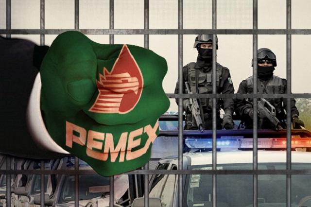 Pemex pide 8 años de cárcel para expolicías por robo de gasolina