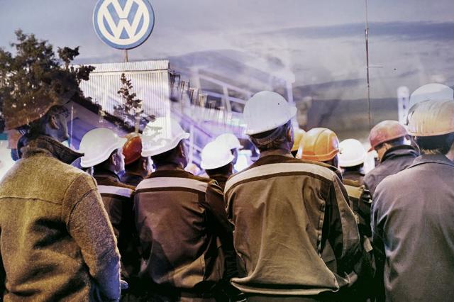 Sube VW oferta salarial a 4.3%, sindicato pide aumento de 8.5%