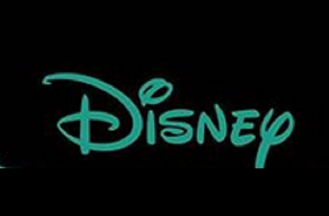 Disney contrata al cineasta Carlos López, hijo de Carla Estrada